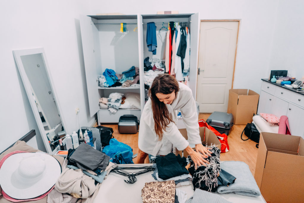 """<img src=""""41441-scaled.jpg"""" alt=""""Nice-looking lady inside modern apartment room prepare to trip, around the mess"""">"""